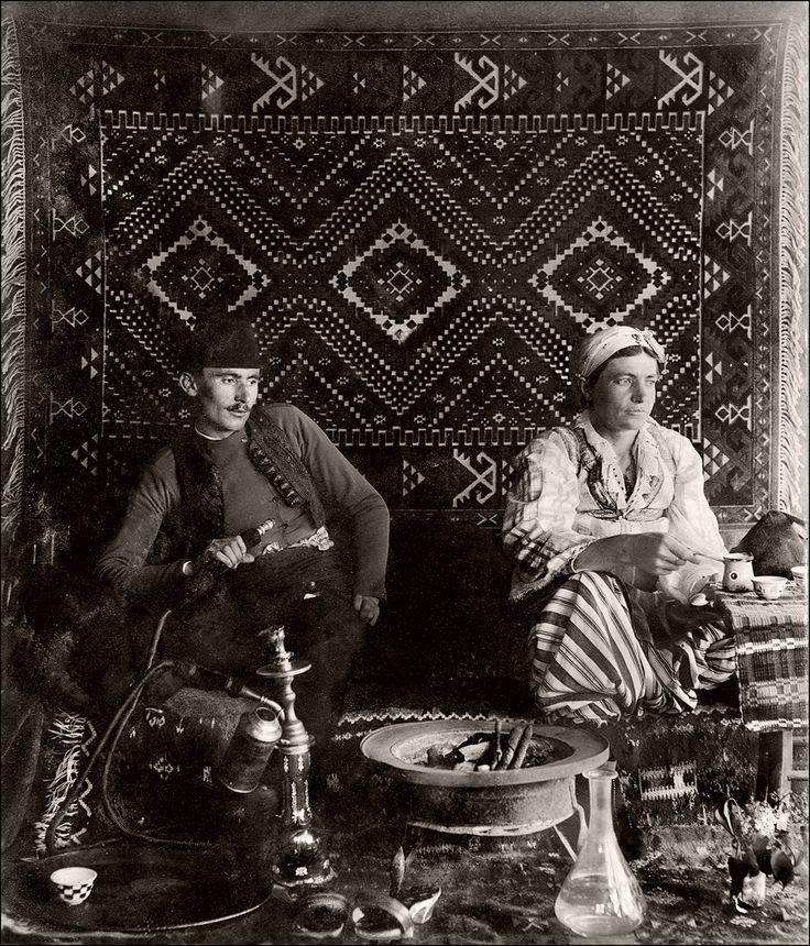 Fiatal bosnyák pár
